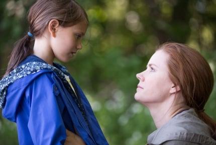 """ハリウッドの大女優、エイミー・アダムスが、娘から学んだ""""対話の秘訣""""とは?"""