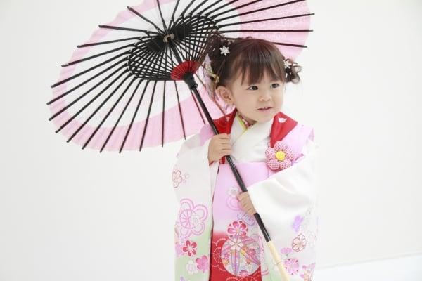 七五三を祝う幼児 (3歳)