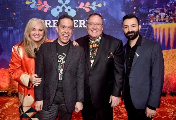 左から製作ダーラ・K・アンダーソン、監督リー・アンクリッチ、製作総指揮ジョン・ラセター、共同監督エイドリアン・モリーナ。©2017 Disney/Pixar. All Rights Reserved.
