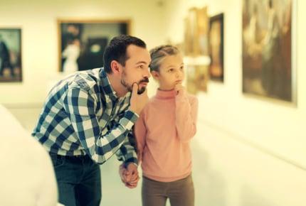 美術館や博物館めぐりから、竪穴式住居で宿泊体験まで。親子で芸術に触れるといいワケ