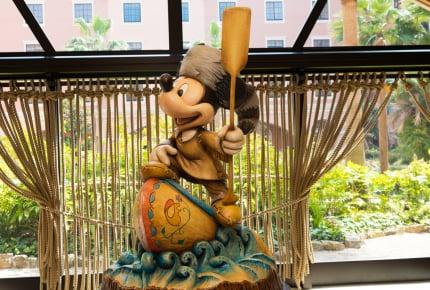開園15分前から対象エリアに入場できる!男の子の冒険心をくすぐる「東京ディズニーセレブレーションホテル®:ディスカバー」の魅力とは
