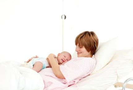 """無事に生まれた奇跡に感謝。ハイリスク妊娠である""""前置胎盤""""の出産体験記"""