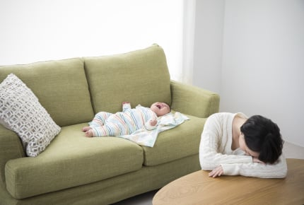 眠らない赤ちゃんの子育てに悩むママへ。一番効果的な入眠方法とは?