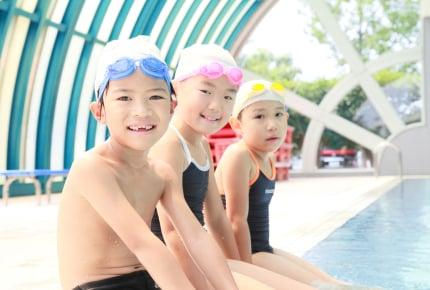 水に顔をつけるのが怖くて泳げない!子どもの気持ちや様子を見守りながらママたちはどう対応している?