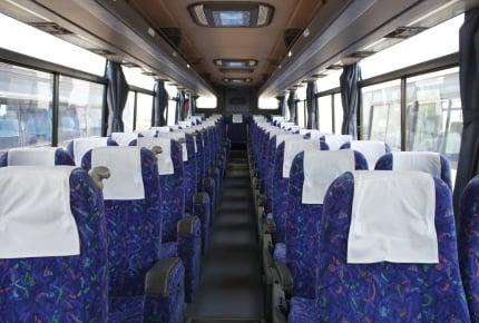 小学生をひとりで高速バスに乗車させるのは危険?ママたちのとった対応策とは