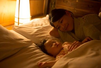 夜中の赤ちゃんへの授乳はお腹が減る!ママは夜食をとる?とらない?