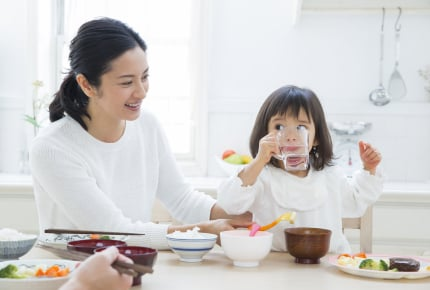 子どもが大人並みに食欲旺盛!将来が心配なママにできる対策方法を考える