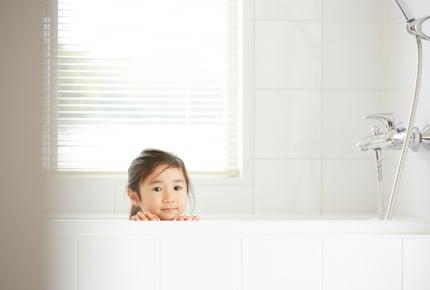 """お風呂場をキレイに維持したい!ママたちの""""お風呂掃除のポイント""""とは"""