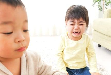子どもが幼稚園で理不尽な意地悪をされた。親は介入するべき?見守るべき?