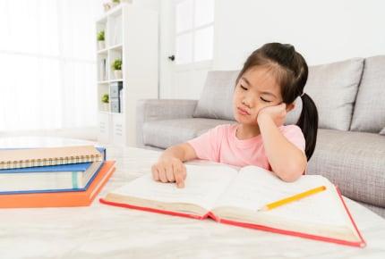 勉強しない子に「勉強しなさい」は逆効果!子どもが進んで勉強をするようになる2つの方法とは?