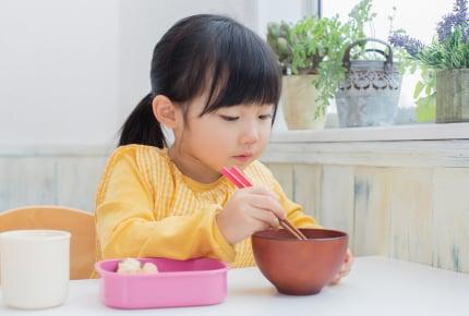 """幼稚園でお弁当用にスプーンを持っていったら注意された!""""お箸""""しかだめなの!?"""