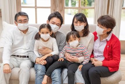 季節を問わず一年中マスク姿なのはなぜ?ママたちがマスクをつける理由とは