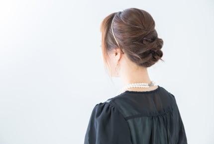 結婚式の参列、シュシュはNG?不器用な人でもできるヘアアレンジ方法