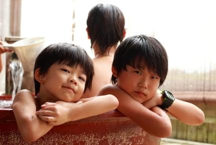 温泉宿の規則ではOKだけれど……小学校4年生の男の子がママと女湯に入るのはあり?なし?ママたちの答えとは