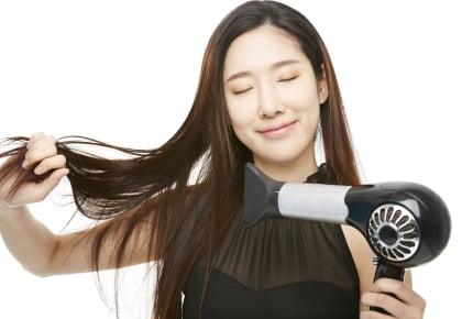 """年々ひどくなる髪の毛のパサつき。サラサラヘアのために実践している""""美髪""""対策4つ"""