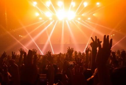 妊娠中にライブやコンサートに行っても大丈夫?ママたちの経験からくる回答とは