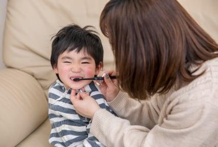 虫歯菌の感染ピークは◯歳。「無理やり磨く」ママも過半数!