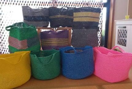 スズランテープで作るカゴバッグが驚きの完成度!海やプールのお出掛けにも大活躍間違いなし