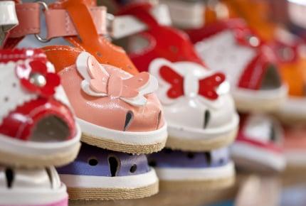 5歳娘のこだわりはピンクのサンダル。ママの好みと子どもの好み、どちらを優先するのか