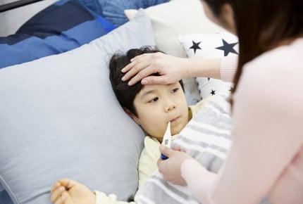 きょうだいで病気をうつしあったり、子どもの病気が長引いたり、仕事を休みづらい……そんなママへのアドバイスは「○○を利用して!」