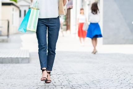 街行く女性のガニ股歩きにガッカリ!?ふとした瞬間に見られている「ガッカリポイント」とは