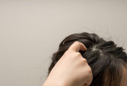 加齢?ケア不足?毎日シャンプーしているのに頭皮のニオイに悩むママの声