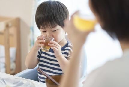 冷たくて美味しい麦茶を手早く作りたい!ママたちは煮出しと水出し、どちらがおすすめ?