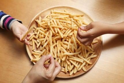 ポテトは1本ずつ、かけ声に合わせて食べる!?食べ物の数にこだわる不思議なママ友の話