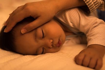 夜泣きをほとんどしないのに、お隣さんから「赤ちゃんの泣き声がうるさい」と苦情がきた。寝室を変えた方がいい?