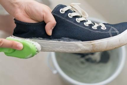 スニーカーの楽な洗い方を教えて!みんなの洗濯方法は?