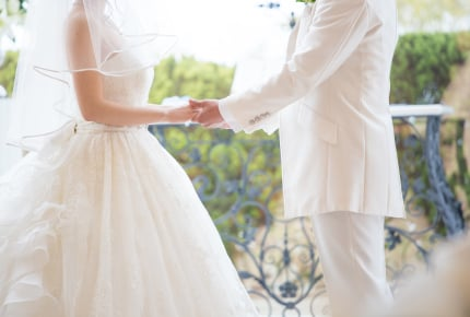 「結婚してよかった」と思う?幸せだと感じる方や、後悔を口にする方も