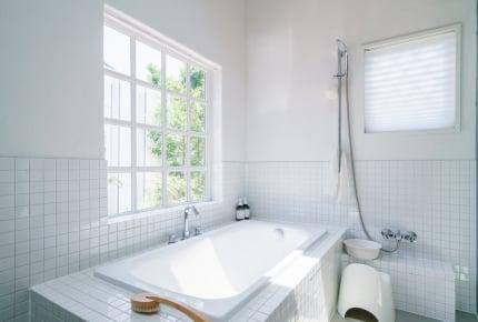 寒いお風呂を暖めたい!浴室暖房やセラミックヒーターなど、どの暖房を使うのがいいの?