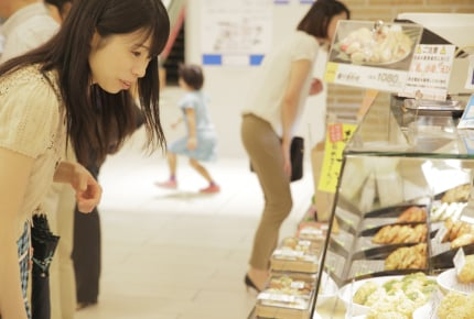 夕飯にスーパーのお惣菜はNGなの?時短や栄養を考えながらできるお惣菜活用法