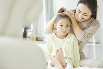 前髪を切らずに伸ばしている女の子!ママが「前髪なし」のヘアスタイルを選んだ理由は
