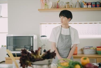男の子が料理をするのは変なの?時代錯誤の人に料理好きの息子をバカにされたママは怒り心頭