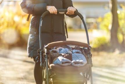 新生児を連れて外出・外食をしている人を見かけてびっくり!止むに止まれぬ事情がある?