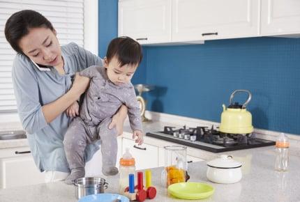 子育て中は実家に近いほうが両親に頼ることができて楽?経験者の答えとは
