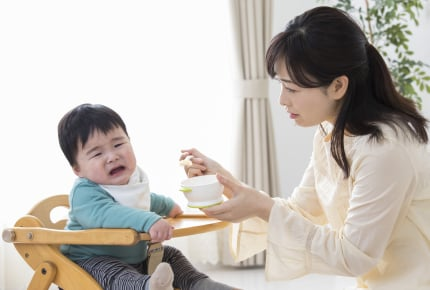 離乳食が思うように進まず戸惑う新米ママ。はたして先輩ママからの答えは?