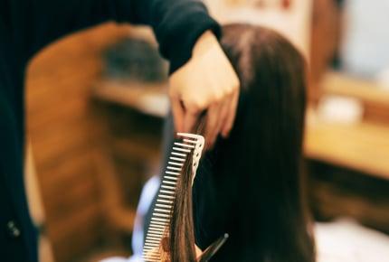 出産の前に髪を切るのはなぜ?髪を切ったママたちそれぞれの理由と切らなかったママがやっていたことは
