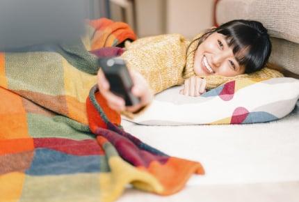 家族が出かけたあと、ママたちは自分ひとりの時間を大いに満喫。ダラダラする時間は自分への最高のご褒美!?