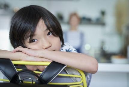 朝「お腹が痛い」と学校に行きたがらない子ども。ママができることとは?