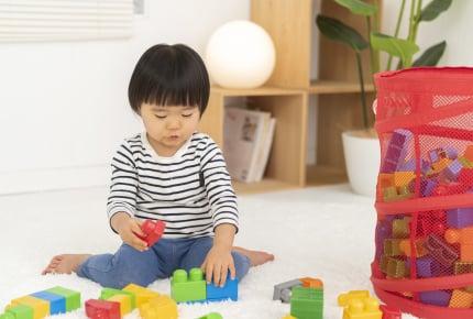 子どもにおもちゃをたくさん買い与えることはよくないの?実際に買い与えられてきた子どもがなりがちな傾向とは……?