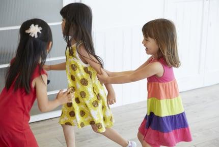 3歳〜6歳までのキッズスペースで、3歳の我が子と1歳の子がトラブル。そもそも1歳は対象外なのでは?と思う投稿者さんにママたちから厳しい意見