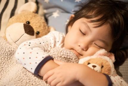子どもの眠りが浅いのはどうにもならない?ママができることとは