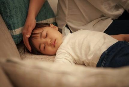 夜中に子どもが39度の高熱!急いで病院へ行く?朝まで待つ?ママたちが判断するポイントは
