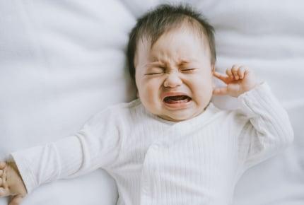 11ヶ月の赤ちゃんが突然ミルク&母乳を拒否!3時間も泣き続けているけれど、どうしたらいい?