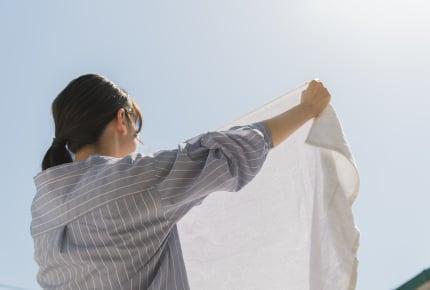 夜に洗濯物を干すフルタイムで働くママから質問!みんなは洗濯物をいつ干している?