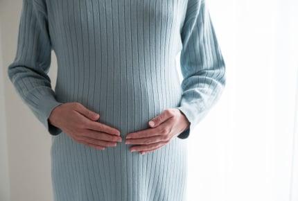妊娠したら、何か月くらいからお腹は目立ってくるの?臨月まで気づかれない人も