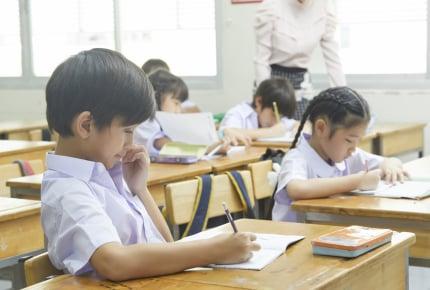 新型コロナウイルスの影響で学校に行けなかった分の学習はどうなる?子どもたちへの「学びの保障」とは