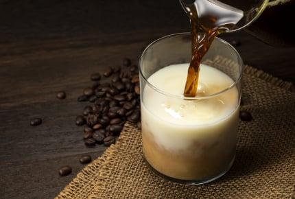 アイスカフェオレを自宅で作ってみよう!初心者でも簡単にできる魅惑の隠し味とは